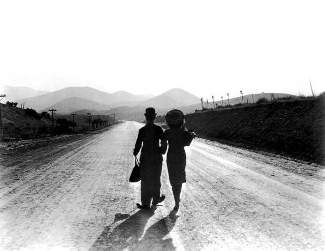 paulette-goddard-and-charlie-chaplin Modern Times 2