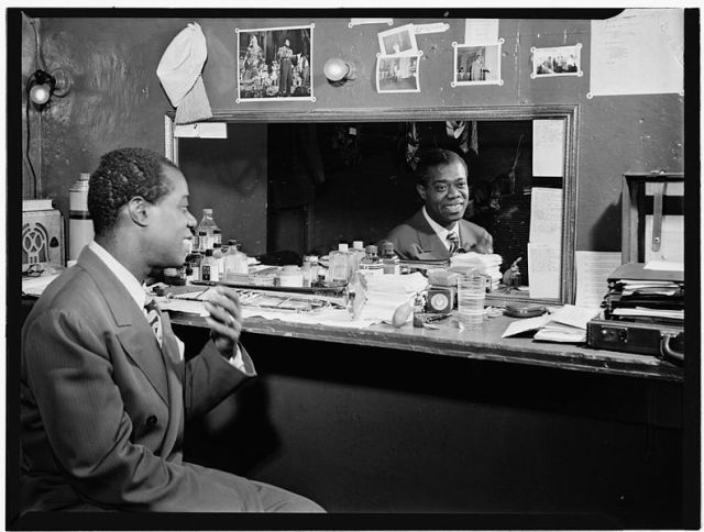 Louis_Armstrong,_Aquarium,_New_York,_N.Y.,_ca._July_1946