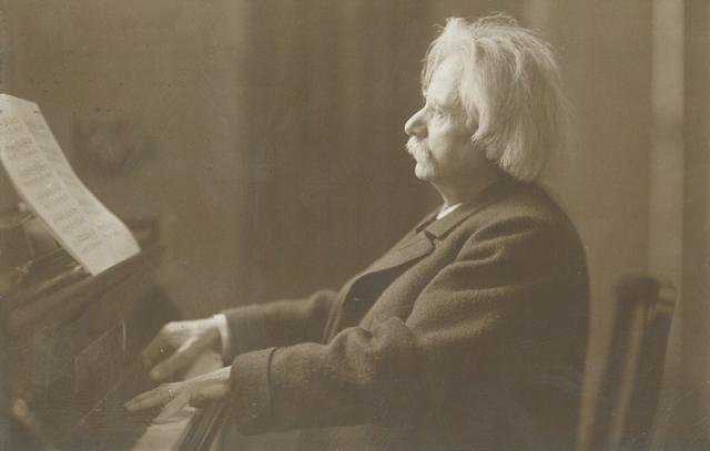 Edvard_Grieg_c._1900